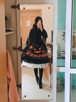 Shiroya's 「Lolita」themed photo (2017/11/03)