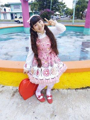 Hitomi izumi's 「Lolita」themed photo (2017/11/19)