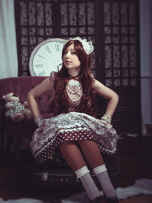 Esma Meow's 「Lolita」themed photo (2017/11/21)