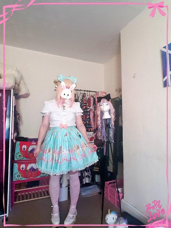 是Alice Ward以「Sweet lolita」为主题投稿的照片(2017/11/25)