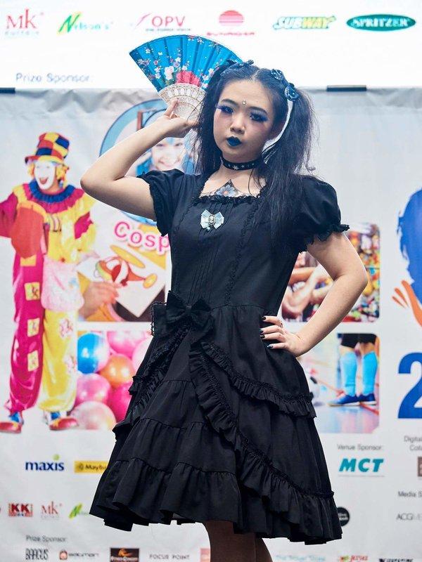 是Qiqi以「Gothic Lolita」为主题投稿的照片(2017/12/11)