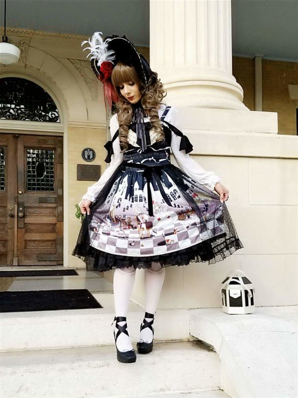 Eugenia Salinas's 「Lolita fashion」themed photo (2017/12/12)
