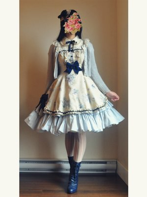 apple's 「Classic Lolita」themed photo (2017/12/13)