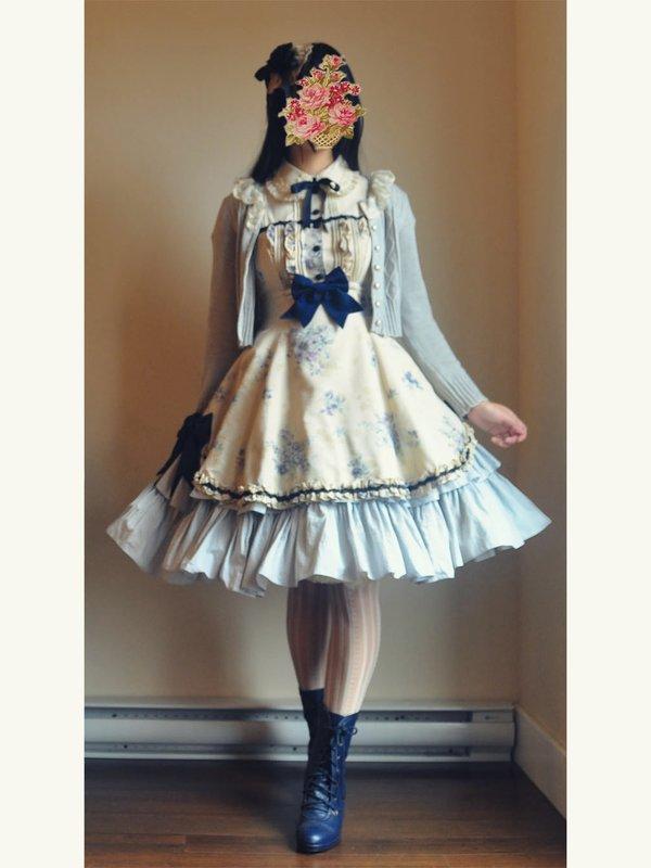 apple's 「Classic Lolita」themed photo (2017/12/13)