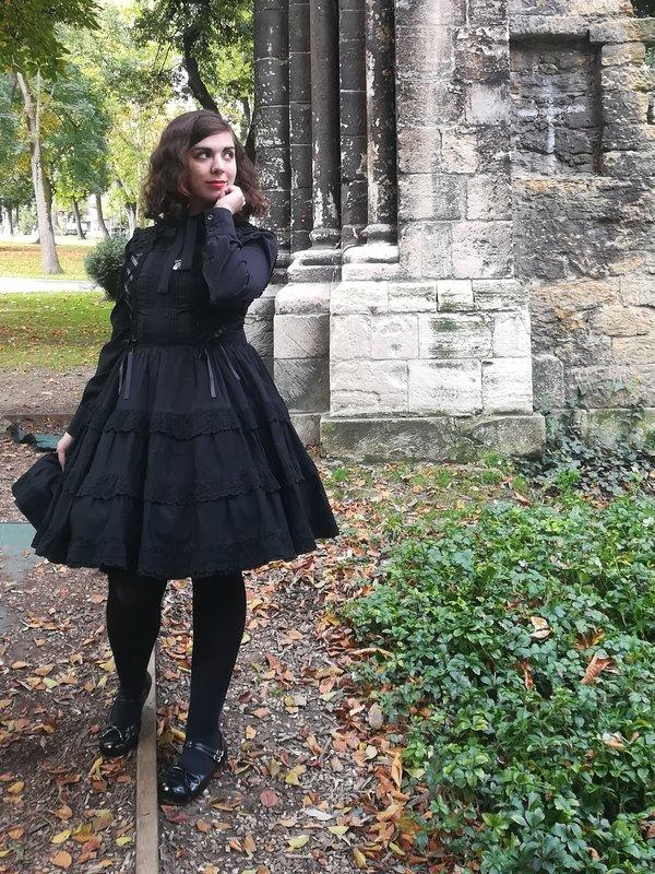 Marina T. Firefly's 「Lolita fashion」themed photo (2017/12/18)
