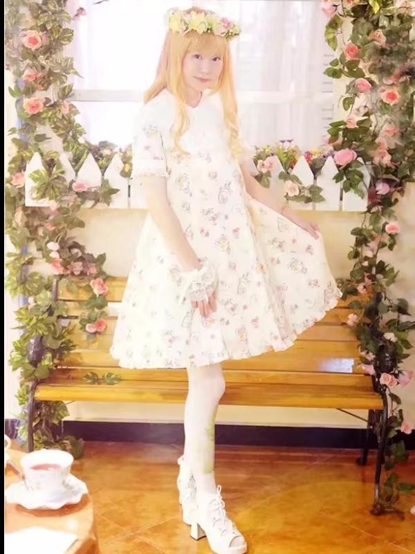 Yushiteki's 「Lolita」themed photo (2017/12/18)