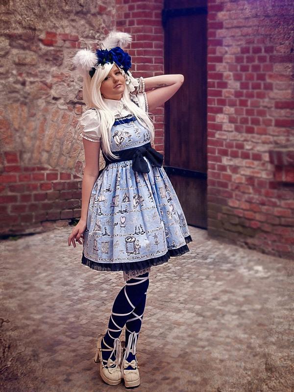 MoonCookie's 「Lolita」themed photo (2017/12/30)