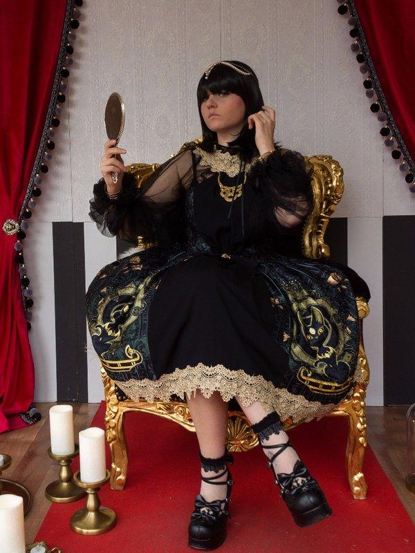 MoonCookie's 「Lolita」themed photo (2018/01/03)