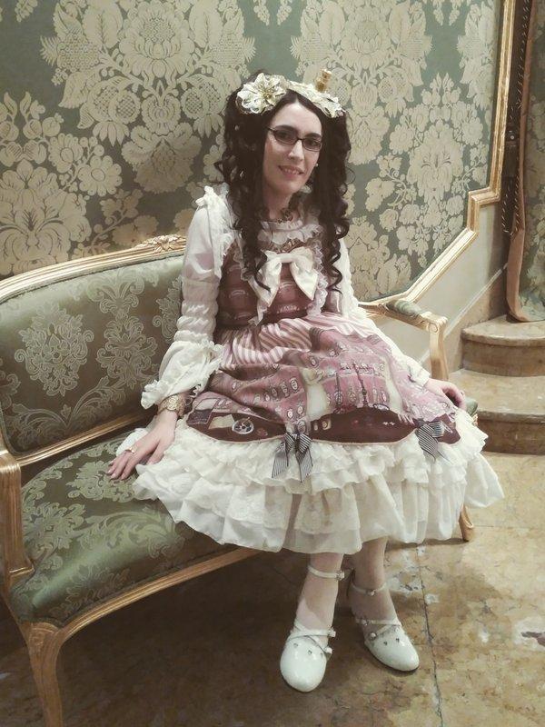 Sara Riverose's 「Lolita」themed photo (2018/01/04)