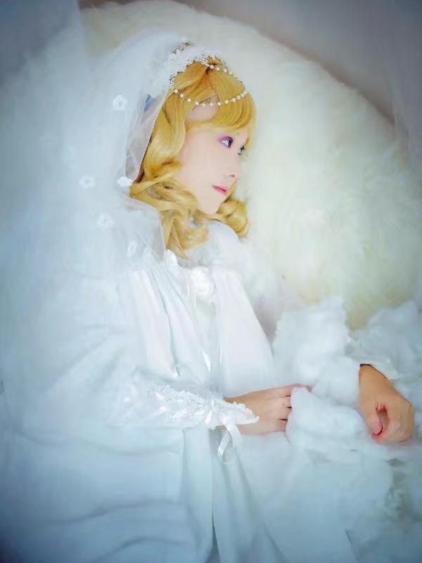 Yushiteki's 「Lolita」themed photo (2018/01/11)