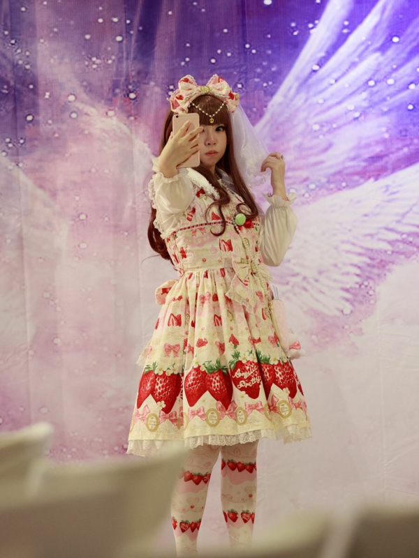 hime's 「Lolita」themed photo (2018/01/22)