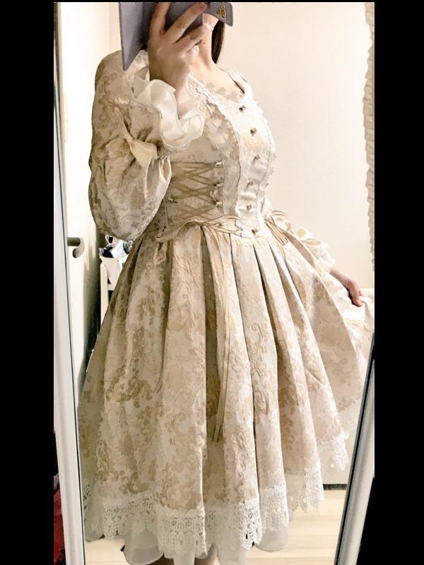 夏妃's 「Lolita」themed photo (2018/02/04)