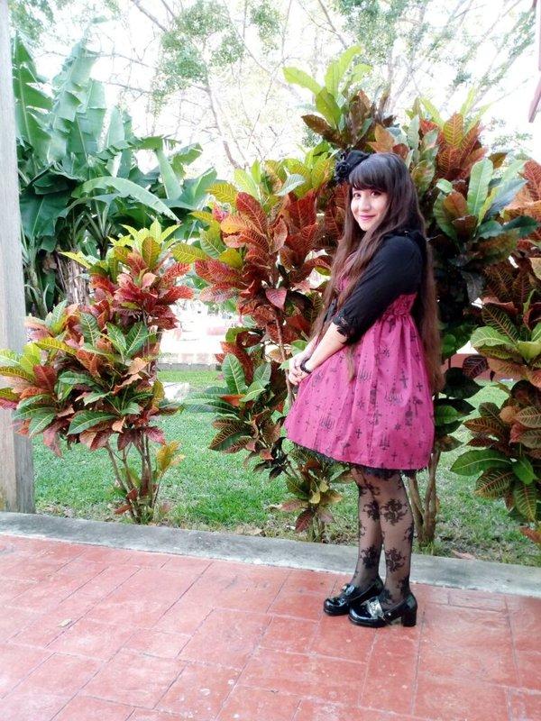 Hitomi izumi's 「Lolita」themed photo (2018/02/06)