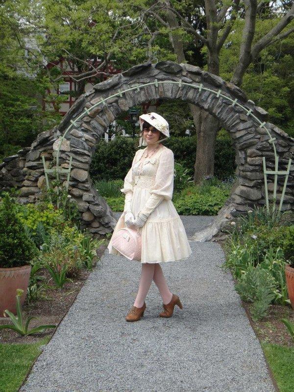 是Kristen Okashi以「Classic Lolita」为主题投稿的照片(2018/02/07)
