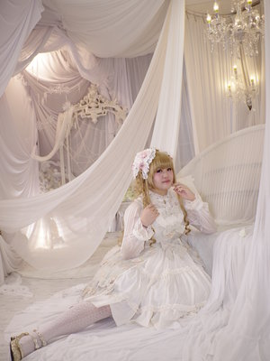 Kalilo Cat's 「Lolita fashion」themed photo (2018/02/13)