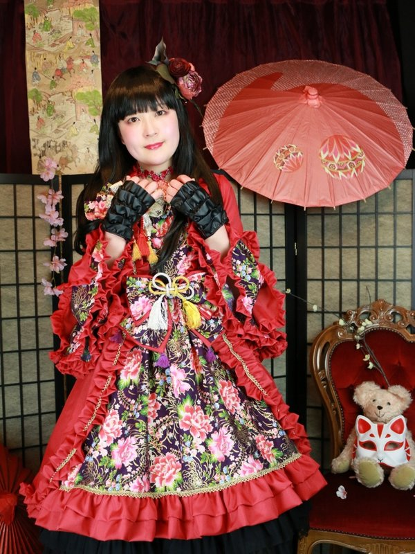 Satellite Door's 「Lolita」themed photo (2018/02/17)