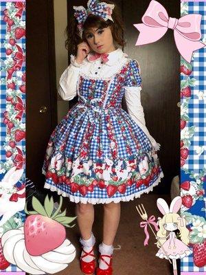 Pixy's 「Lolita」themed photo (2018/02/22)