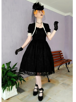 Annah Hel's 「Gothic Lolita」themed photo (2018/02/26)