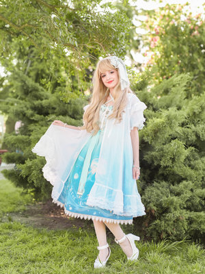 Lula's 「Lolita fashion」themed photo (2018/02/26)