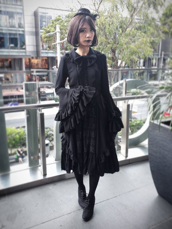 Xiao Yu's 「Goth」themed photo (2018/02/26)