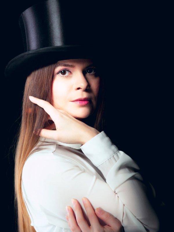 Lucy Kücükcakirlarの「Gothic」をテーマにしたコーディネート(2018/02/27)