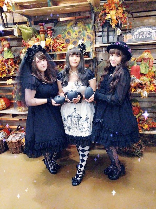 Hachi's 「Lolita」themed photo (2018/02/28)