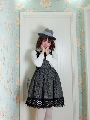 拜食's 「Lolita」themed photo (2018/03/01)