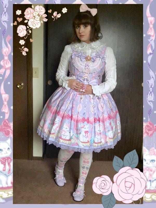 Pixy's 「Lolita」themed photo (2018/03/02)