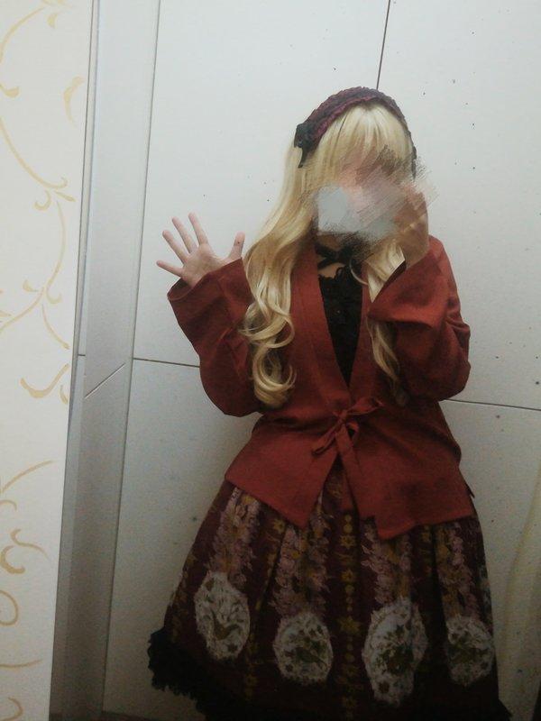 冉苘's 「Lolita」themed photo (2018/03/07)
