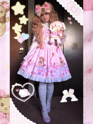 Pixy's 「Lolita」themed photo (2018/03/25)