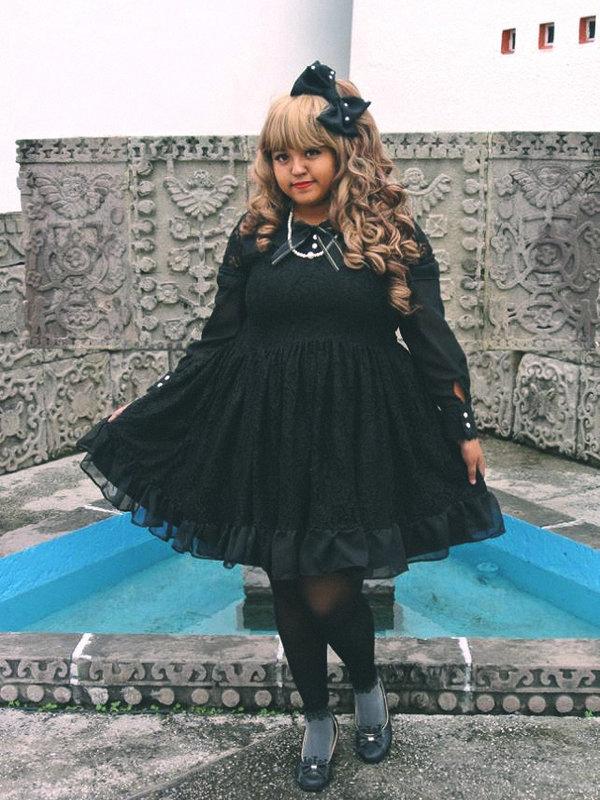 Miss Alpaca's 「Gothic Lolita」themed photo (2018/03/29)