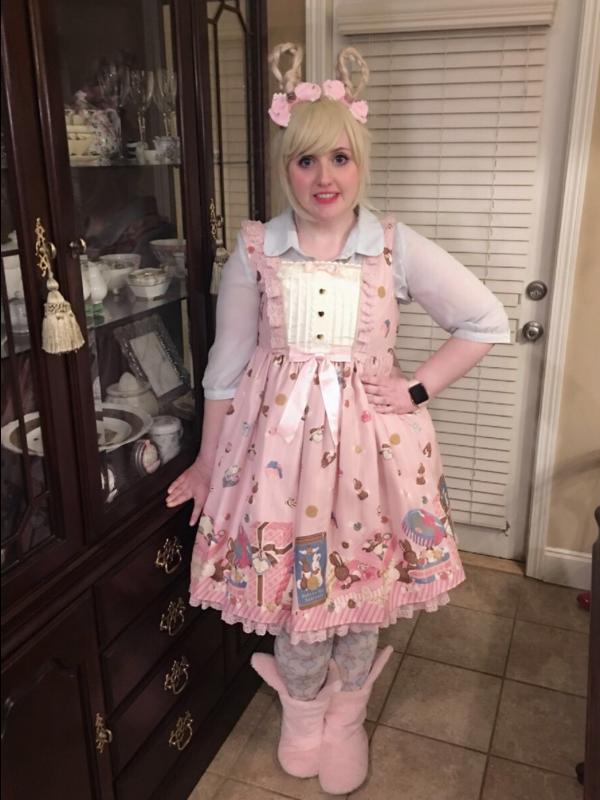 Lulu's 「Lolita」themed photo (2018/04/03)
