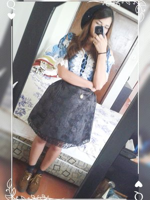 Lau's 「Casual Lolita」themed photo (2018/04/09)