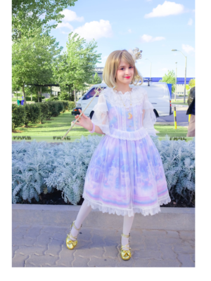 Lula's 「Lolita fashion」themed photo (2018/04/13)
