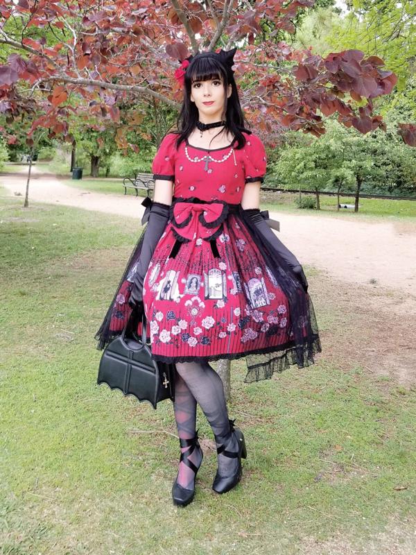 Eugenia Salinas's 「Gothic」themed photo (2018/04/16)