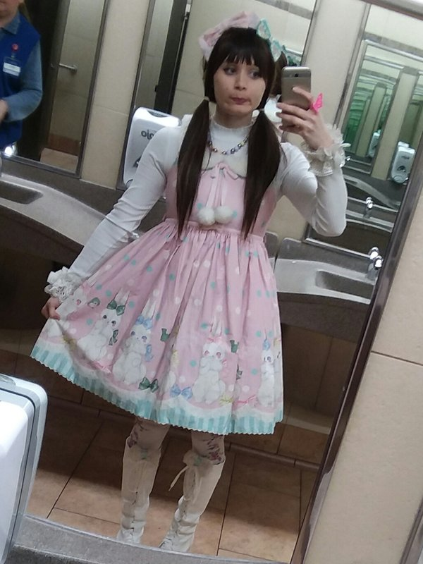 Bununy 's 「Lolita」themed photo (2018/04/16)