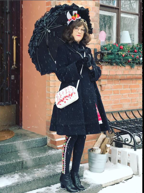 Alexandra Gushchaの「Umbrella」をテーマにしたコーディネート(2018/04/21)