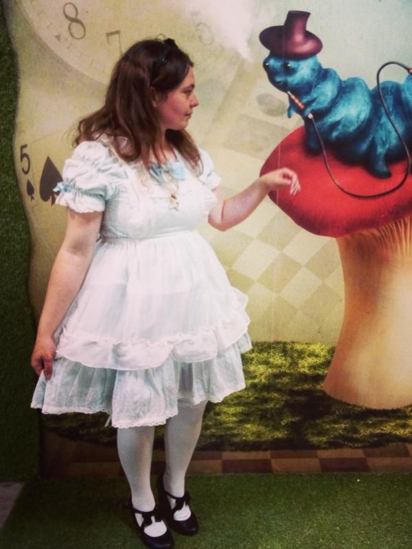 Lusty Majo's 「Alice」themed photo (2018/04/26)