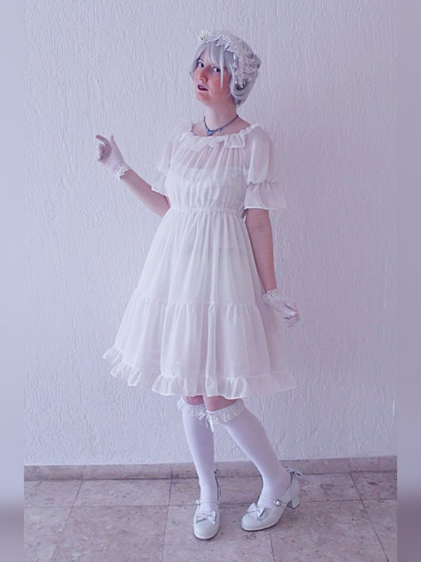 Annah Hel's 「Shiro Lolita」themed photo (2018/04/27)