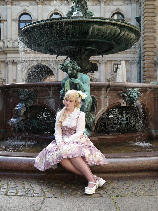 是Rai以「Lolita」为主题投稿的照片(2018/05/02)