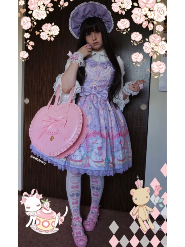 Pixy's 「Lolita」themed photo (2018/05/15)