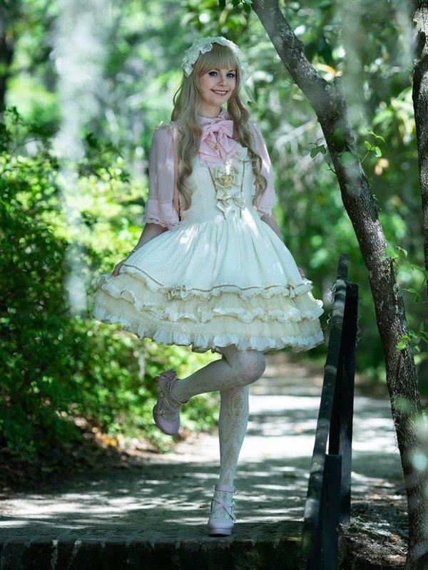 Maka's 「Lolita」themed photo (2018/05/15)