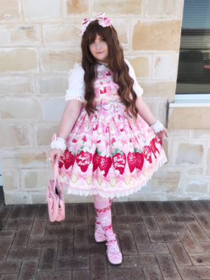 是Monique以「Lolita fashion」为主题投稿的照片(2018/05/15)