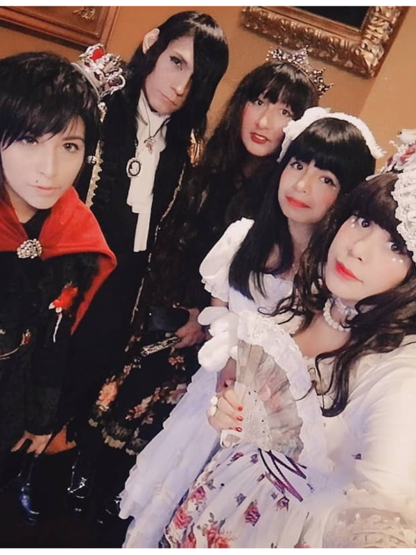 Lestat's 「Lolita」themed photo (2018/05/27)