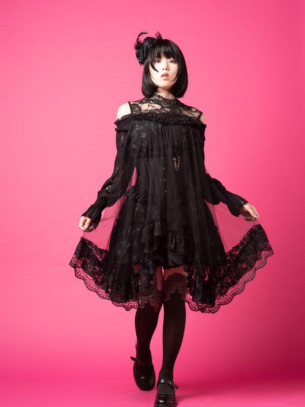浜野留衣's 「Gothic Lolita」themed photo (2018/05/29)