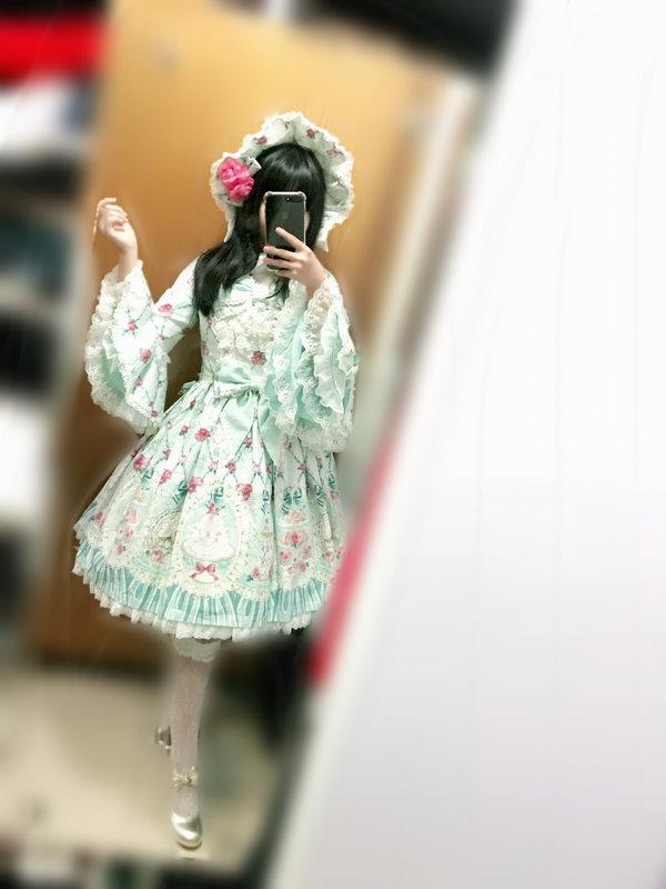 海海°'s 「Lolita」themed photo (2018/06/14)