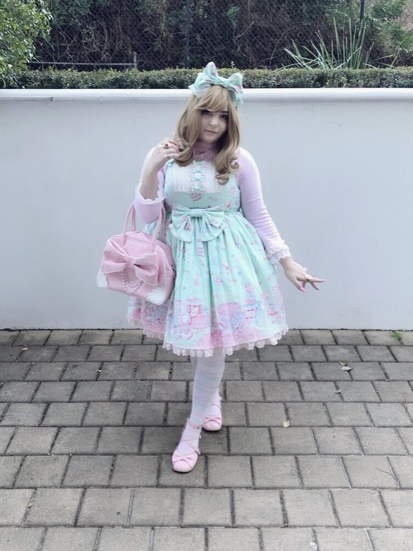 是Monique以「Angelic pretty」为主题投稿的照片(2018/06/24)