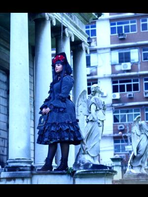 Regina Ramos's 「Gothic」themed photo (2018/06/25)