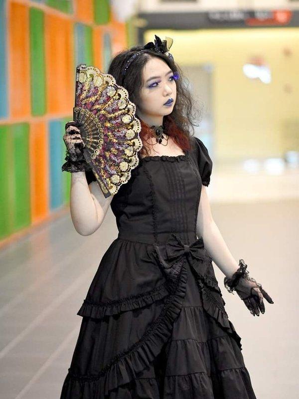 Qiqi's 「Gothic Lolita」themed photo (2018/07/05)