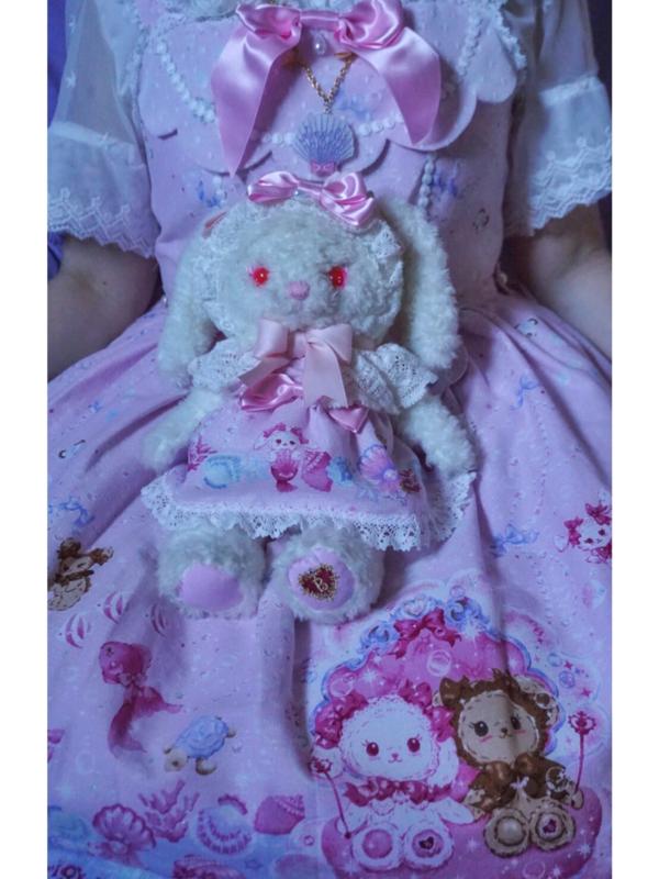 Pixy's 「Lolita」themed photo (2018/07/10)